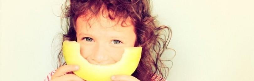 Когда и как начинать вводить дыню в детское меню?