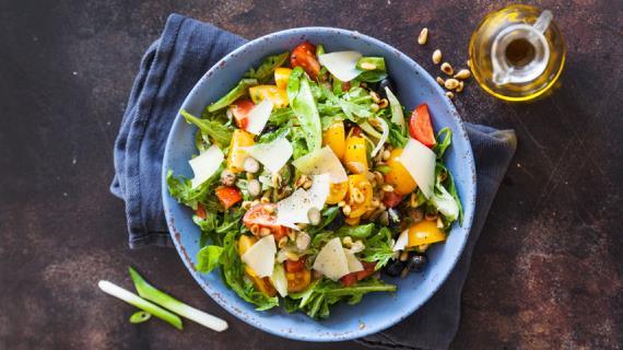 салат из дыни с рукколой